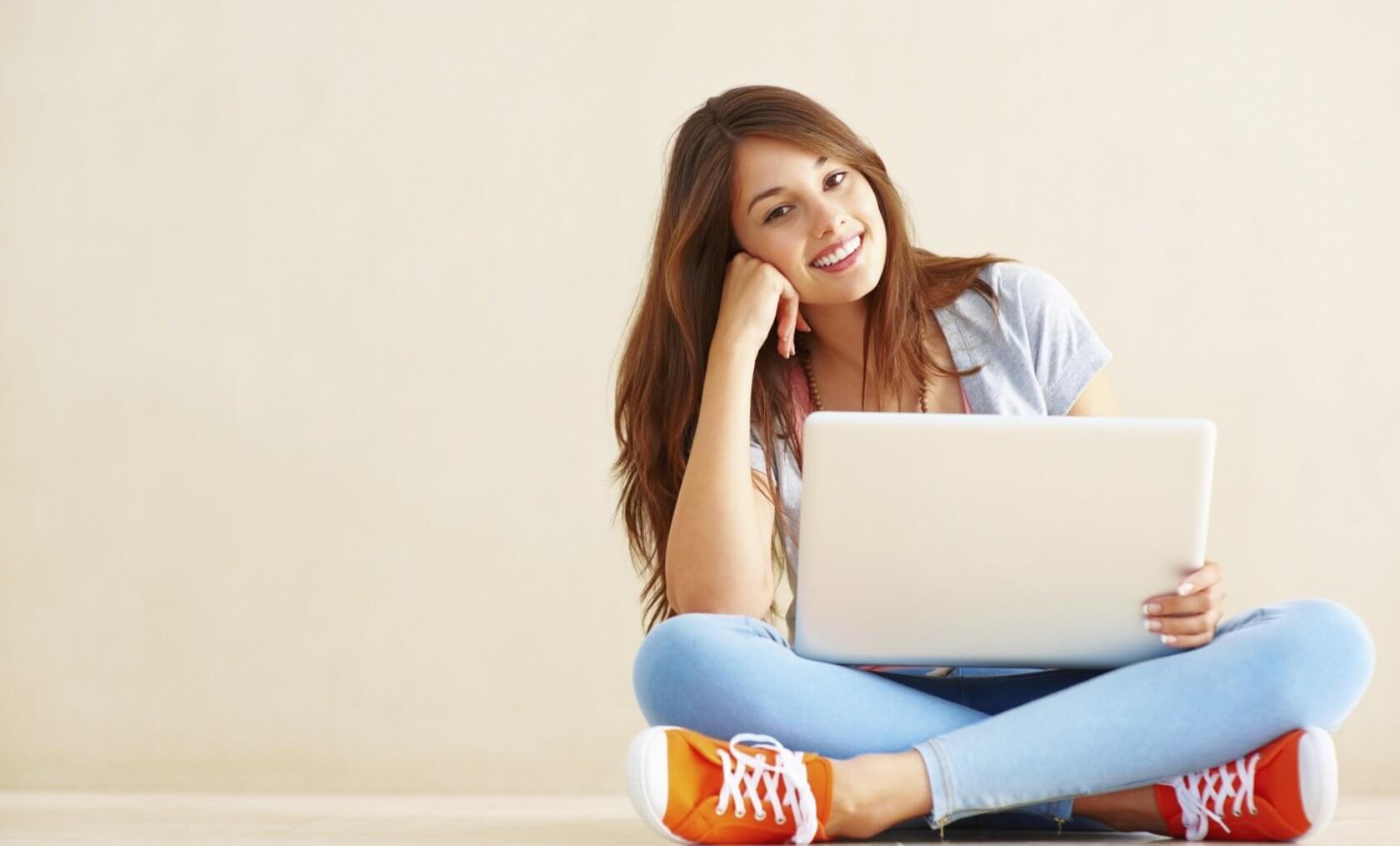 Работа вебмодели для девушек и парней в студии в Санкт